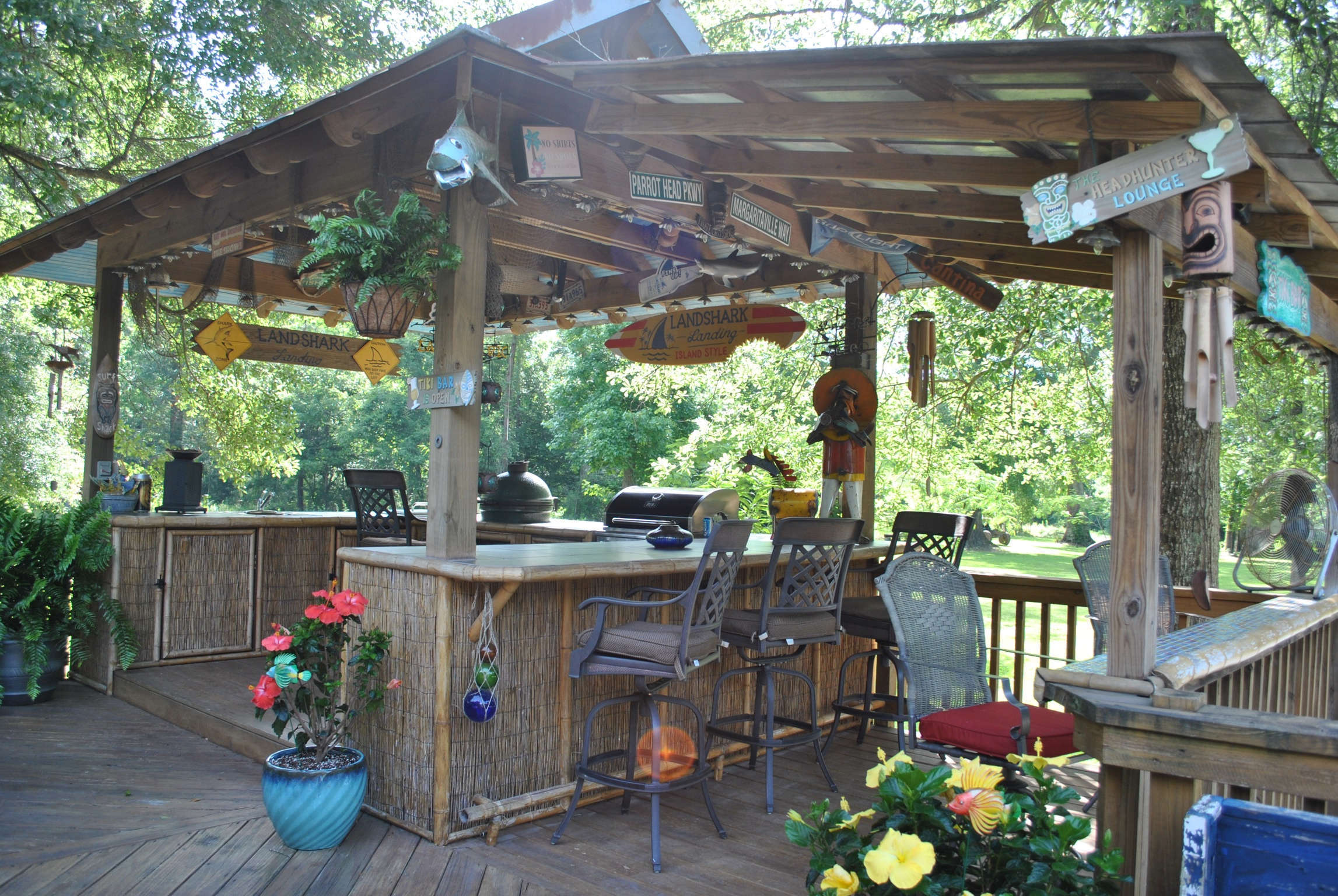 DIY OUTDOOR BAR IDEAS 80 - decoratoo on Small Backyard Bar Ideas id=81330